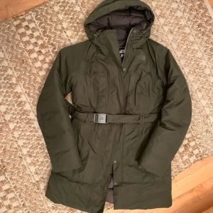 Size small north face down filled jacket